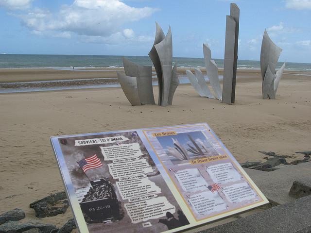 Omaha-Beach with signage
